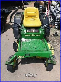 John Deere Z225 With 42 Deck Zero Turn Mower
